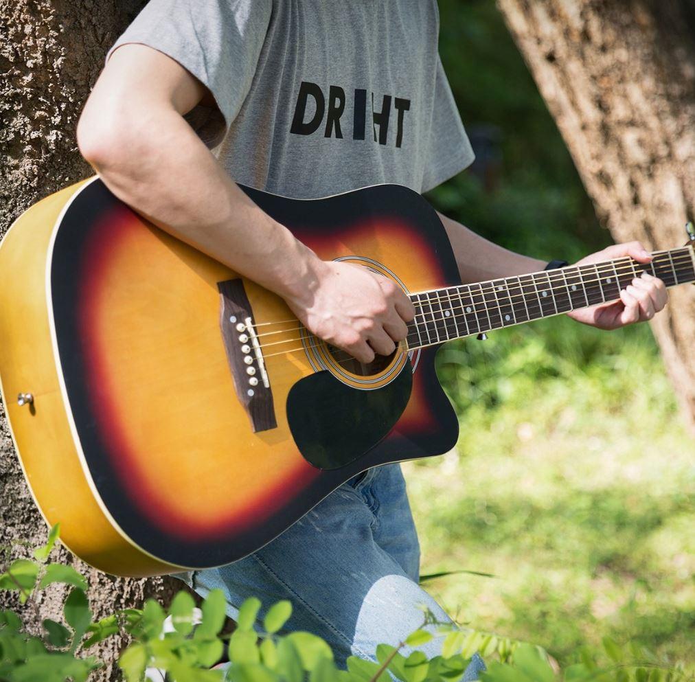Guitarra cutaway 1
